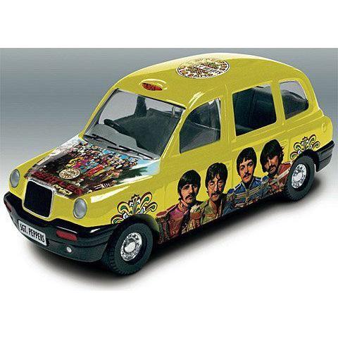 【コーギ】Corgi The Beatles Album Cover Die-Cast Collectable Sgt. Peppers Lonely Heartsclub Band L