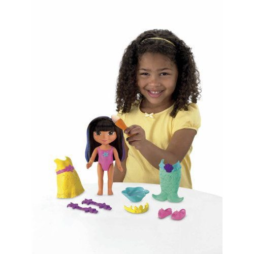 Fisher-Price フィッシャープライス Magical Colors Dress Up Dora 人形 ドール