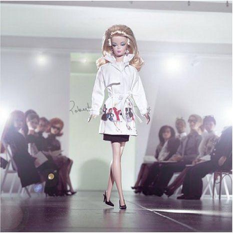 限定品 (限定品) Silkstone Trench Setter Barbie(バービー) ドール 人形 フィギュア