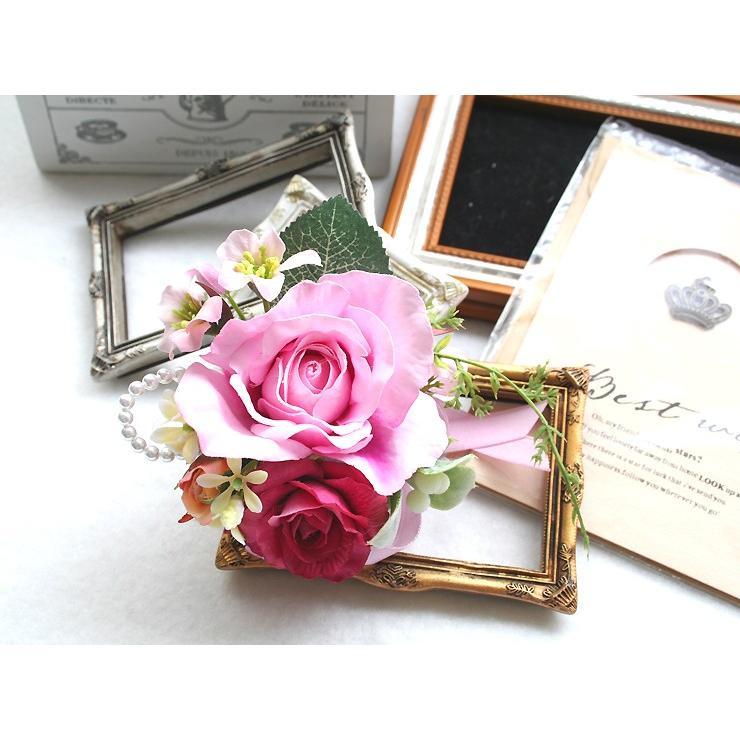 スイートピンク色のバラのコサージュ|vertpalette-store