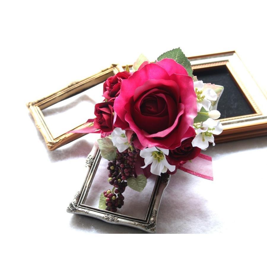 赤ワイン色のバラのコサージュ|vertpalette-store