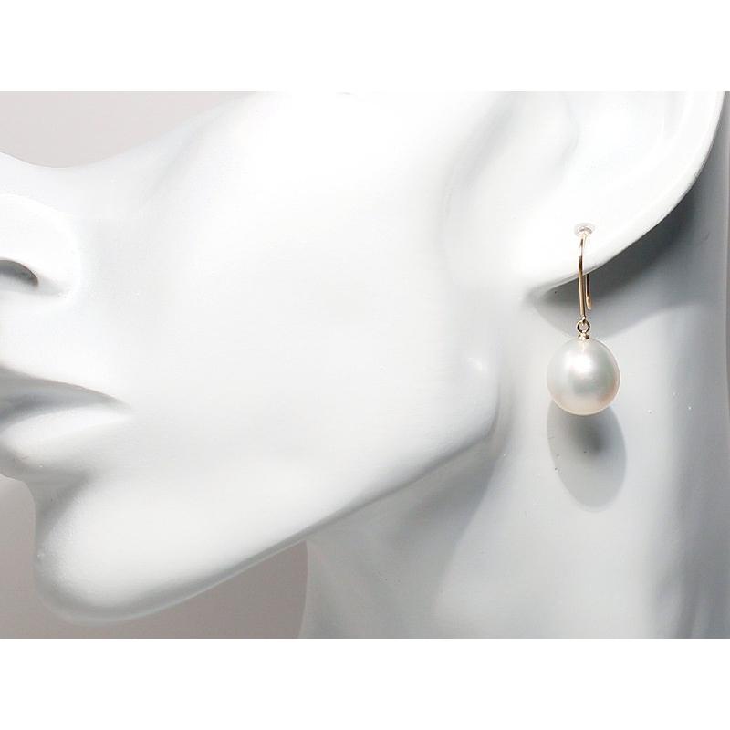 パールフックピアスK18白蝶真珠幅11.6mm縦12.4mmつりばりL正面からみた全長約27mm wizem 06