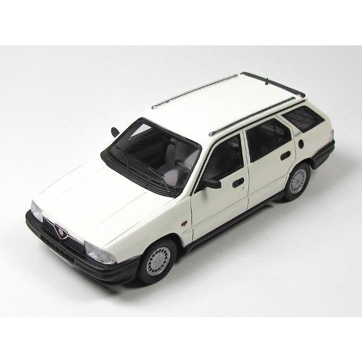 KESS/ケス アルファ・ロメオ 33 1.5 Giardinetta 4x4 1986 ホワイト KESS/ケス アルファ・ロメオ 33 1.5 Giardinetta 4x4【