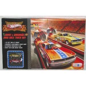 Hot Wheels (ホットウィール) SNAKE & MONGOOSE Drag Race Track Set オレンジ Strip and 1:64 スケール ダ