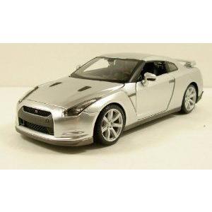Maisto (マイスト) 2009 Nissan (日産) GT-R GTR 1:24 scale 8inch diecast model car 銀 ミニカー