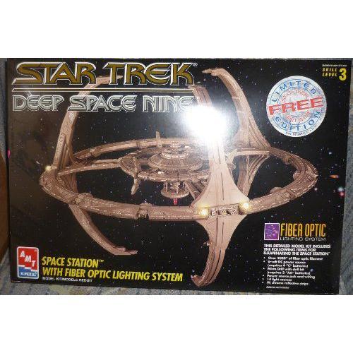 スタートレック Deep Space Nine Space Station Model Kit with Fiber Optic Lighting System