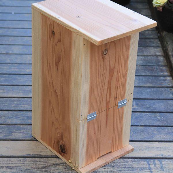 巣箱:石田式 ニホンミツバチ捕獲箱 簡易箱 贈与 みつばち巣箱兼飼育箱 お気にいる