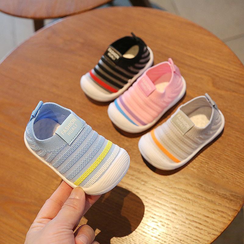 赤ちゃん 音が鳴る靴 笛付き靴 ベビー ファーストシューズ 靴 商品 フォーマル 子供 子供靴 キッズ 11 12 可愛い 音が出る 13 笛付き 14 笛入り 面白い 希少 音鳴る