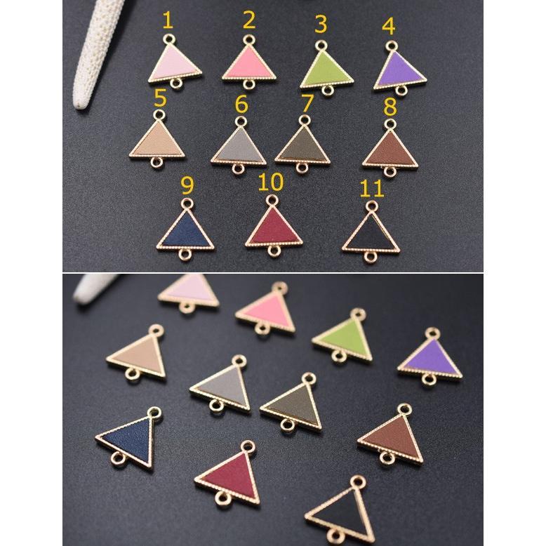 チェーンパーツ チャームパーツ模様入り 2カン付き 三角形革貼り yu-beads-parts 02