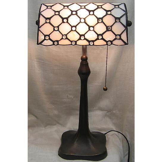 ステンドデスクランプ ベージュにナギット柄 (ST-7004)  幅24cm 奥行15cm 高さ43.5cm (ST-7004)  幅24cm 奥行15cm 高さ43.5cm ステンドグラス ランプ