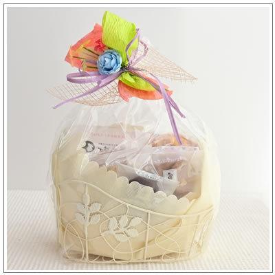 バレンタインのお返しに:ホワイトデーのクッキー・焼菓子詰合せ「フイユクルブ 白」 1976円 yukiusagi 02