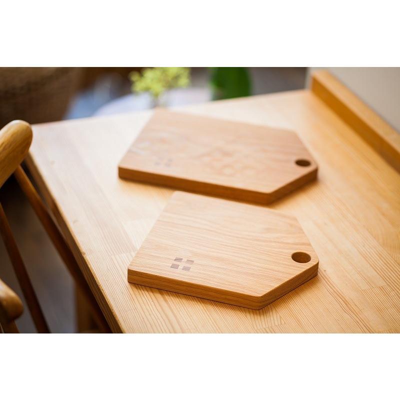 カッティングボード(Mサイズ)木 お皿 トレイ まな板 ナラ材 zaccan-shop