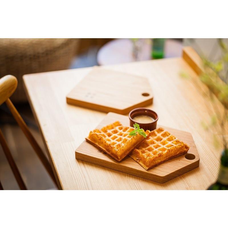 カッティングボード(Mサイズ)木 お皿 トレイ まな板 ナラ材 zaccan-shop 03