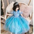 爽やかなパステルカラーのエルサ風コスチュームドレスドレスです。  【セット内容】:ドレス、ティアラ、...