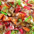 おつまみの定番・柿の種&ピーナッツと南風堂オリジナルの豆菓子5種を個包装に包みミックスした商品です。...