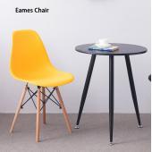商品名: イームズシェルチェア   背板と座板が一体型の形状となったシェル型デザインで 長時間座って...