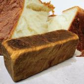 デニッシュ食パンプレーンは1979年にここボロニヤで生まれました。弊社オリジナルの風味豊かな植物性油...