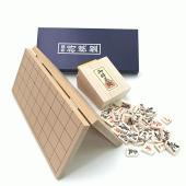 入門者の方やお子様にも最適な将棋盤セットです。持ち運びが便利なややミニサイズの折将棋盤と木製裏赤の将...