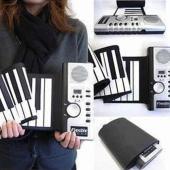 いつでも、どこでも演奏ができる♪ 手軽に持ち運べる!電子ピアノ!!  クルクルッと鍵盤を巻ける薄型電...