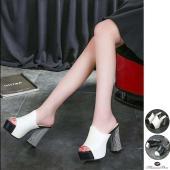 カラー:ブラック/ホワイト 素材:PU皮 サイズ:22.0cm(34)/22.5cm(35)/23....