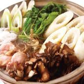 【きりたんぽ、比内地鶏、野菜、スープなど、すべての具材が入ったきりたんぽ鍋セットです。】秋田の良品を...