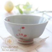 浅めのご飯茶碗なので片手でしっかり持てますよ! ご飯茶碗の側面が削りでスタイリッシュ! ふんわりと軽...