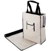 シンプルなデザインだから、お洋服に合わせやすいバッグ。<br> 大きく開く口は出し入れに...