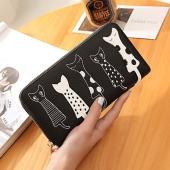とってもキュートで可愛い!猫柄の長財布です♪ アップリケと刺繍がとてもチャーミングでカワイイ〜♪♪ ...