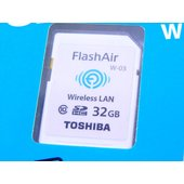 "TOSHIBA 【東芝】   無線SDHCカード ""FlashAir"" (容量はタイトル参照)   ..."