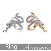 舌は可動式のスネーク指輪2サイズで新登場♪ シンプルのリングにダイヤをふんだんに取り込んだデザイン!...