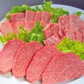 A5ランクの黒毛和牛・相馬牛。福島県相馬市で愛されるブランド牛の贅沢セット。脂ののったカルビ、最高部...