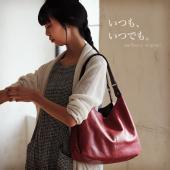【soulberryオリジナル】 シボ感のあるやわらかなフェイクレザーで仕立てた、頼れるバッグの登場...