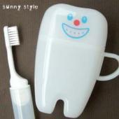 食事の後の歯磨きは、虫歯予防や口臭予防に大変効果的です。 お泊りのときや外出先でもお気に入りの歯磨き...