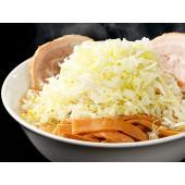 東京・亀戸にて最高質の背脂チャッチャ系ラーメンが味わえる「ごっつ」。豚骨・鶏ガラをじっくり煮込んで作...