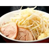 良質な豚骨・香味野菜をじっくり煮込み、旨味の凝縮したスープに背脂を加え、豚旨味を余すことなく炊き出し...