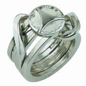 指輪パズルの第2弾。 5本の輪をバラしては組む。 アメリカの宝飾デザイナーJose Grantの基本...