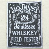 サイズ(約):タテ7cm×ヨコ5.5cm  テネシーウイスキーの代表的な銘柄でもある、アメリカの酒造...