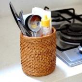 お箸立てにもペン立てにも使えるバリ島の天然素材で編まれた人気のアジアン雑貨