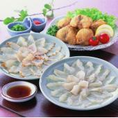山口県産の『真ふぐ』を存分に味わえる、お刺身、たたき、から揚げの三種セットです。 *この商品は代引き...